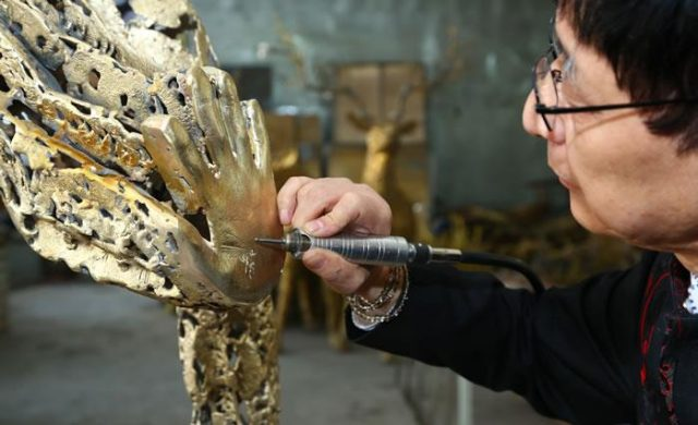 """Swiss Design Meets Chinese Craft in """"The Power of Hands"""""""