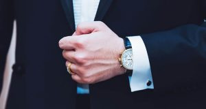 From vintage watches to modern high-end watches timepieces, read on for the top 5 latest watches for bridegrooms in fall 2017