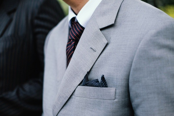 8 Men's Fashion Accessories to include in Your wardrobe pocket squares